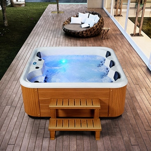 OUTDOOR SPA AND JACUZZI